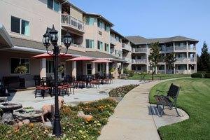 Photo 2 - THE HAMPSHIRE, 3460 R STREET, Merced, CA 95348