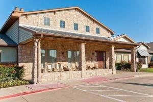 2281 Country Club Dr - Mansfield, TX 76063