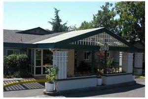 2080 Guerneville Rd - Santa Rosa, CA 95403