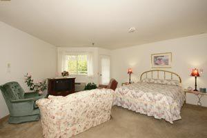 Photo 10 - Beaverdale Estates, 4610 DOUGLAS AVENUE, Des Moines, IA 50310