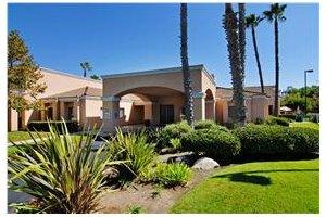 1325 Las Villas Way - Escondido, CA 92026