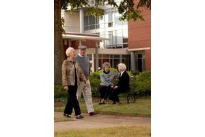 801 Riverhill Dr - Athens, GA 30606