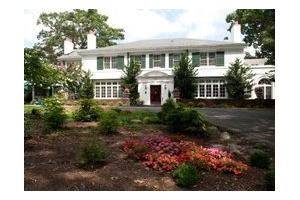 1009 Old Country Club Rd NW - Roanoke, VA 24017