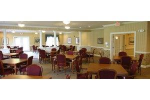 205 Green Bay Rd - Thiensville, WI 53092