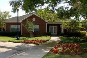 915 North Fielder Road - Arlington, TX 76012