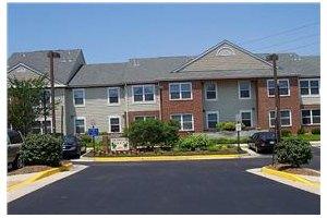 7000 Schoonmaker Court - Alexandria, VA 22310