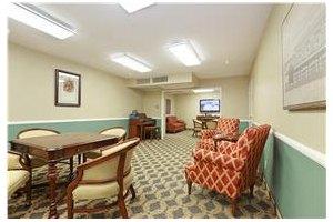 Photo 6 - Mountview Senior Living, 2640 Honolulu Ave, Montrose, CA 91020