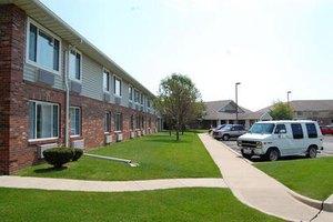 1706 E Amber Ln - Urbana, IL 61802