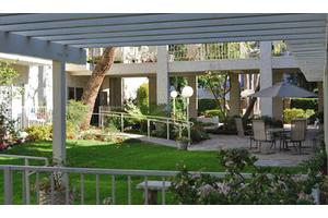 255 S Oak Knoll Ave - Pasadena, CA 91101