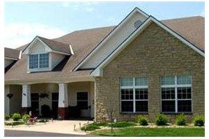 2183 Memorial Dr - Clarksville, TN 37043