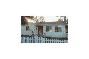 5515 Fallbrook Ave - Woodland Hills, CA 91367