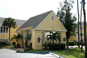 8351 College Parkway - Fort Myers, FL 33919