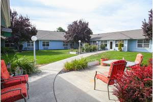 2001 W 5th St - Grandview, WA 98930